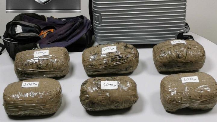 Εγκέφαλος κυκλώματος ναρκωτικών δρούσε μέσα από τη φυλακή