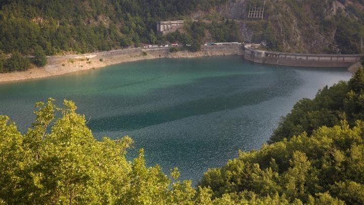 Σε κατάσταση έκτακτης ανάγκης η κοινότητα Καρίτσης Δολόπων στη Λίμνη Πλαστήρα