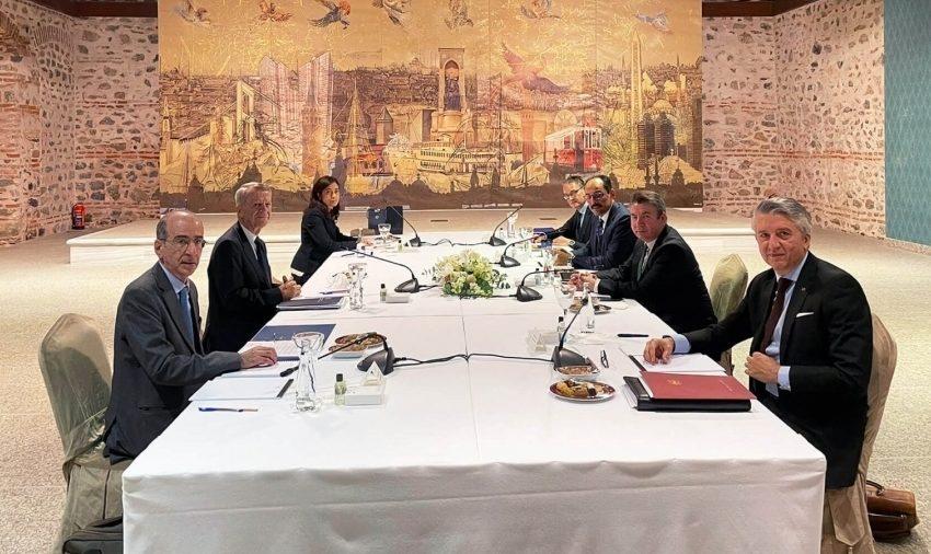 Το παρασκήνιο των διερευνητικών στο Ντολμά Μπαχτσέ- Γιατί αιφνιδιάστηκε η ελληνική αποστολή- Ο ρόλος Καλίν