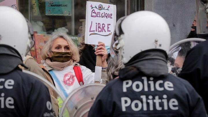 Προληπτικές προσαγωγές στις Βρυξέλλες για την αποτροπή διαδηλώσεων κατά των περιοριστικών μέτρων