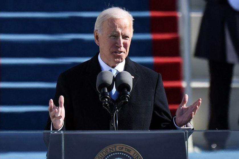 Οι ΗΠΑ γύρισαν σελίδα – Μπάιντεν: Όλοι ενωμένοι να προσπαθήσουμε για έναν καλύτερο κόσμο για μια καλύτερη Αμερική, χωρίς ρατσισμό και φόβο (vid)