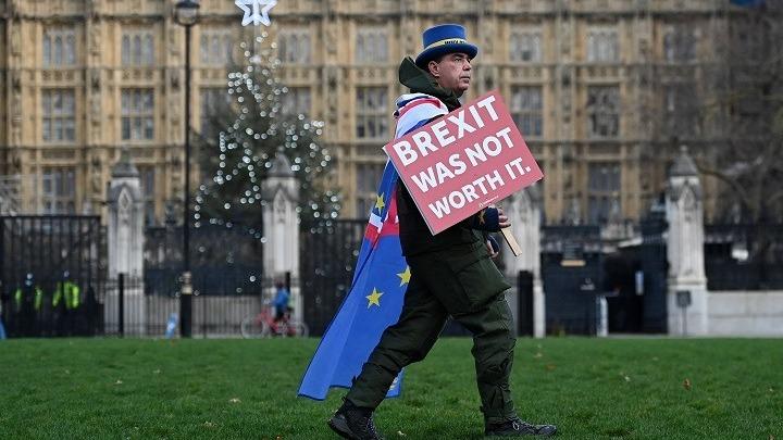 Brexit: Μεταξύ θριάμβου και ανησυχίας ο βρετανικός Τύπος σχολιάζει τη νέα εποχή για τη χώρα
