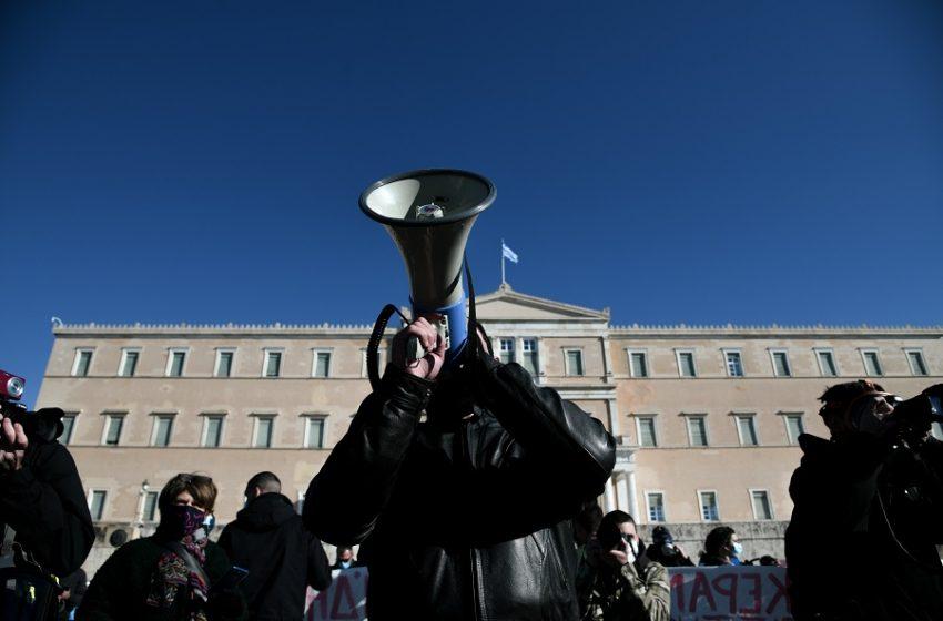 Απαγόρευση συγκεντρώσεων: Δικογραφία της ΕΛ.ΑΣ για το συλλαλητήριο – Στον Γιαννάκο της ΠΟΕΔΗΝ η πρώτη δίωξη