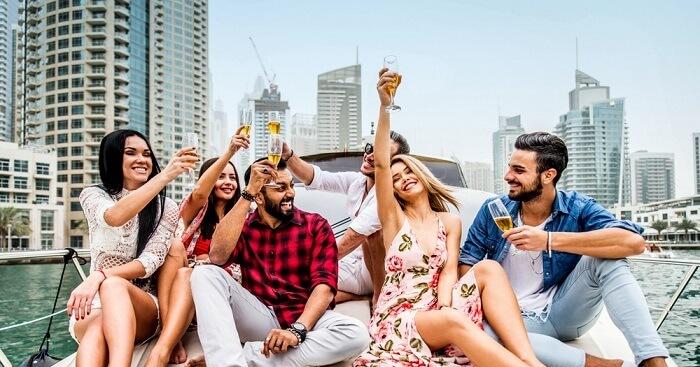 Tέρμα τα πάρτι και τα live στο Ντουμπάϊ- Εκρηκτική διασπορά του Covid