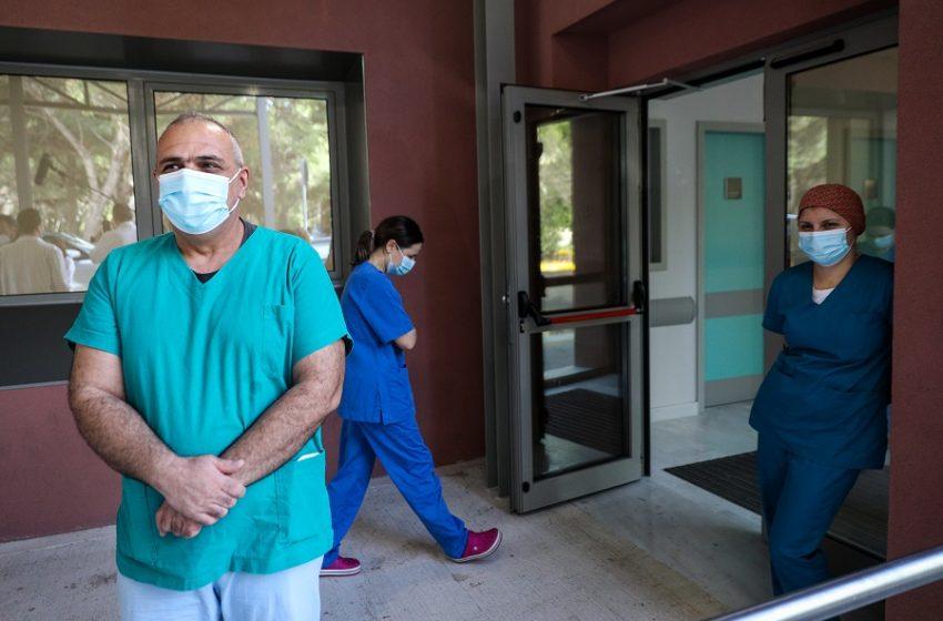 """Εμβολιασμοί υγειονομικών: Καταγγελίες ότι ακυρώνονται μετά τα περιφερειακά νοσοκομεία και στο """"Γ. Γεννηματάς"""""""