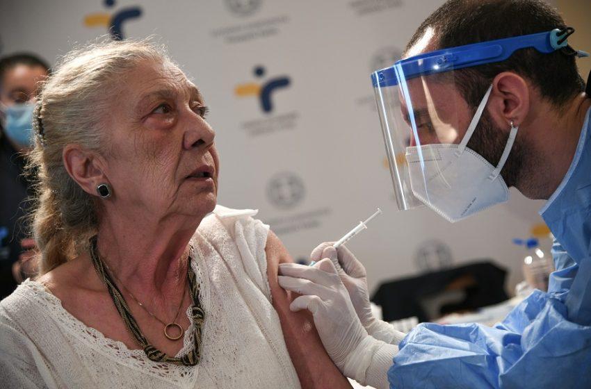 Επιλογή σωστού εμβολίου για ευπαθείς ομάδες – Ο καθηγητής Αχ. Γραβάνης απαντά στο libre και μιλά για το πολυπόθητο ενήλικο πολυδύναμο εμβόλιο