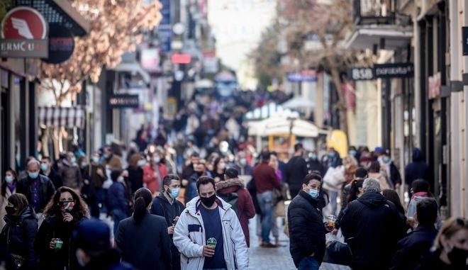 Οι αριθμοί (κρούσματα και τεστ) που τρομάζουν: Κίνδυνος να γίνει η Αθήνα…Θεσσαλονίκη