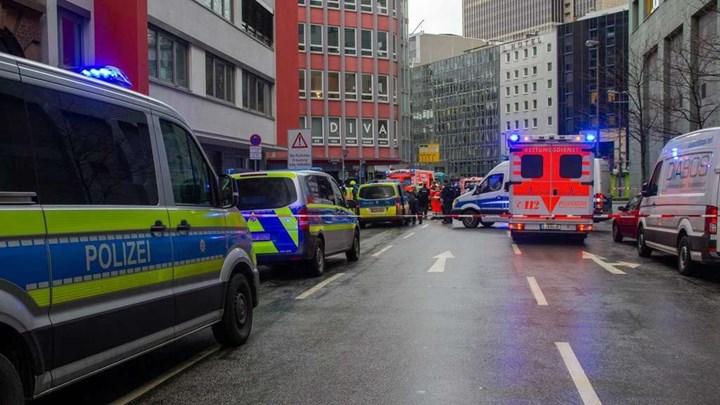 Επίθεση με μαχαίρι στη Φρανκφούρτη – Πληροφορίες για πολλούς τραυματίες