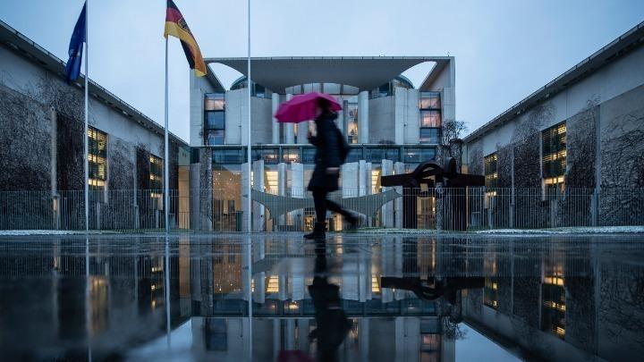 Γερμανική αντίδραση για τις καθυστερήσεις: Ζητά επιβολή περιορισμών στις εξαγωγές εμβολίων από την ΕΕ