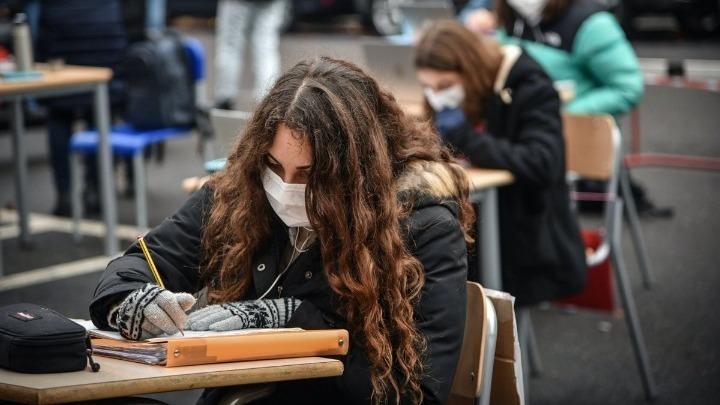 Ιταλία: Κινητοποιήσεις μαθητών – Ζητούν να επιστρέψουν στα σχολεία