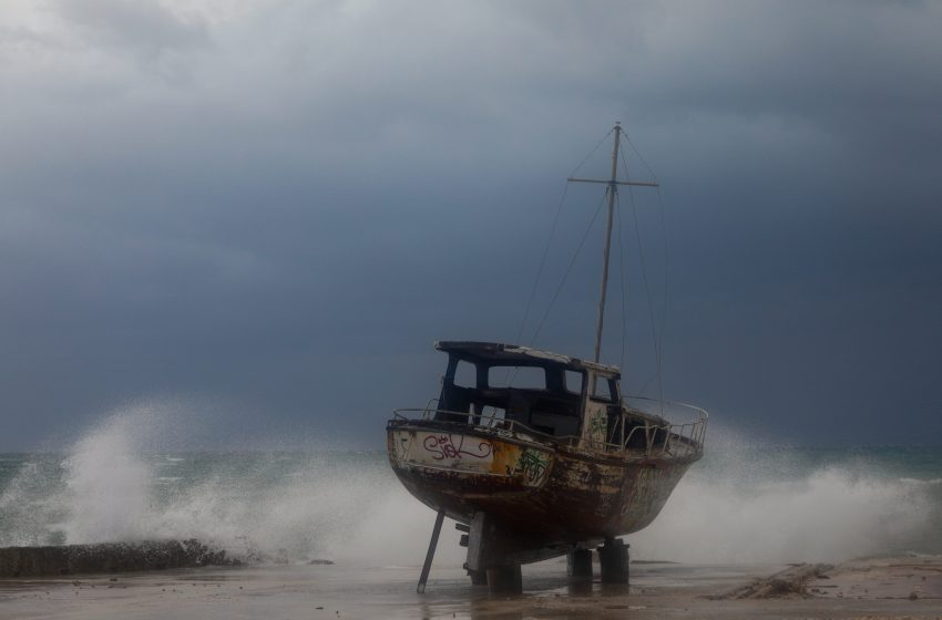 Κλιμάκιο μηχανικών στην Ιθάκη για τα προβλήματα από την ισχυρή βροχόπτωση