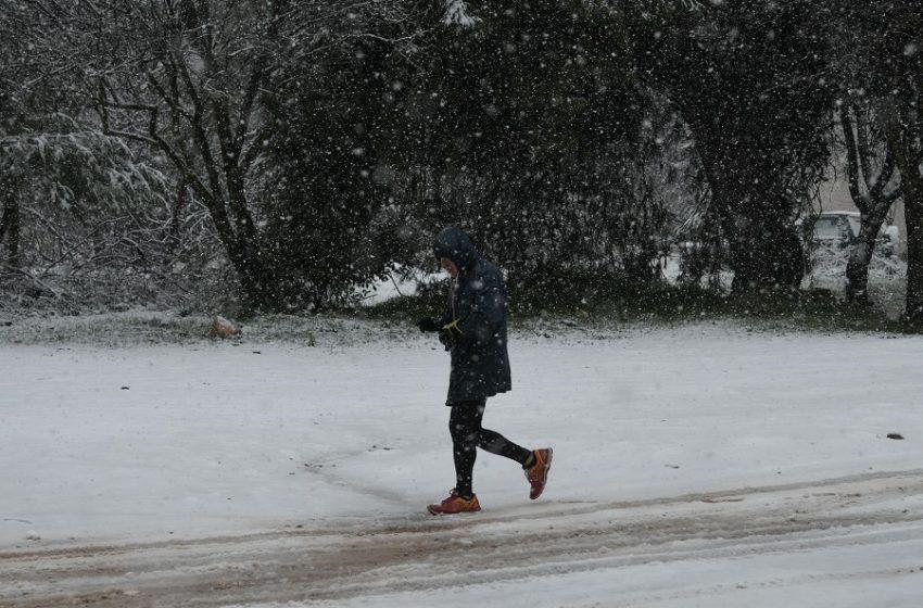 Καιρός: Νέα ατμοσφαιρική διαταραχή – Πού θα ρίξει χαλάζι και χιόνια