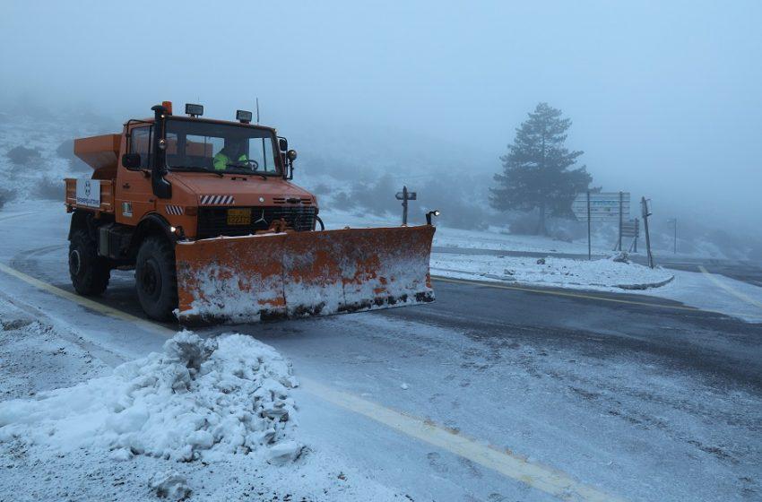 Κακοκαιρία LIVE: Έκλεισε ο δρόμος προς την Πάρνηθα – Δείτε που χιονίζει αυτήν την ώρα