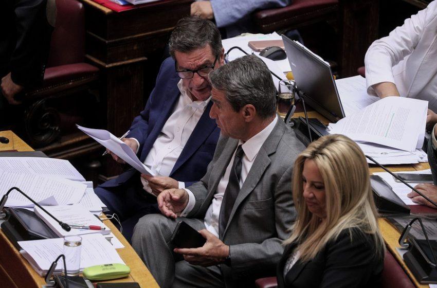 Ραγδαίες εξελίξεις στο ΚΙΝΑΛ: Τι σημαίνει η καρατόμηση του Ανδρέα Λοβέρδου  – Το παρασκήνιο πίσω από την αντίδραση του πρώην υπουργού