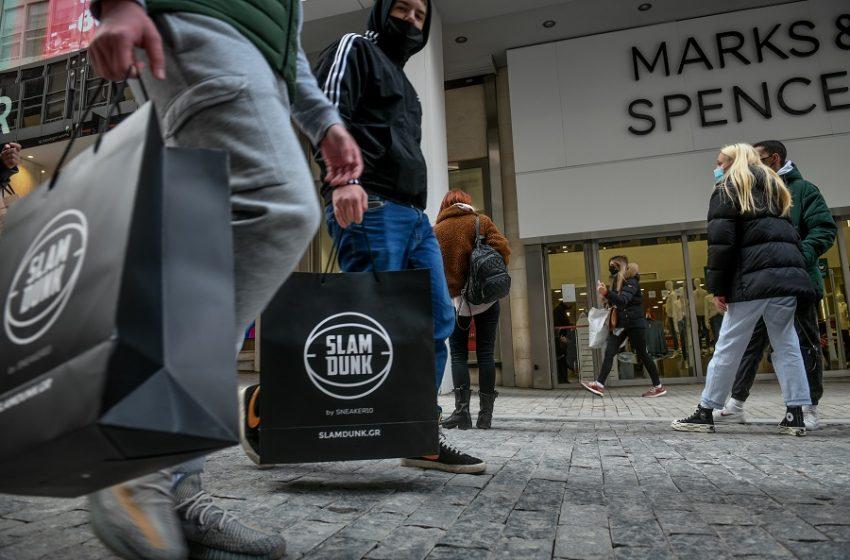 Ανοιχτά καταστήματα και σούπερ μάρκετ προαιρετικά την Κυριακή