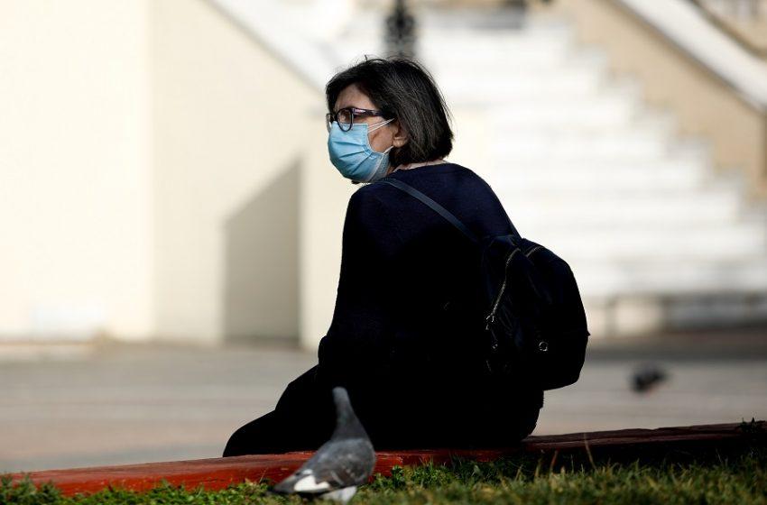 """Παγκόσμιoς Ιατρικός Σύλλογος: """"Οι μολύνσεις συμβαίνουν κυρίως μέσα στα λεωφορεία, τα τρένα και στη δουλειά"""""""