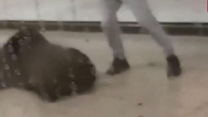 Εισαγγελική έρευνα για τον άγριο ξυλοδαρμό στο μετρό