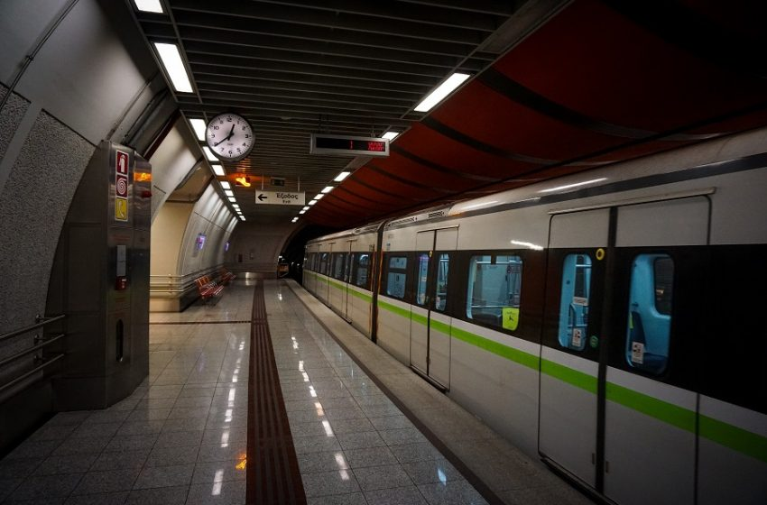 """Εκλεισε ο σταθμός Μετρό """"Πανεπιστήμιο"""" – Κλείνει και το """"Σύνταγμα"""""""