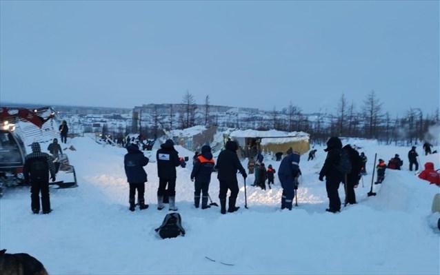 Τρεις νεκροί από χιονοστιβάδα σε χιονοδρομικό κέντρο στη Ρωσία