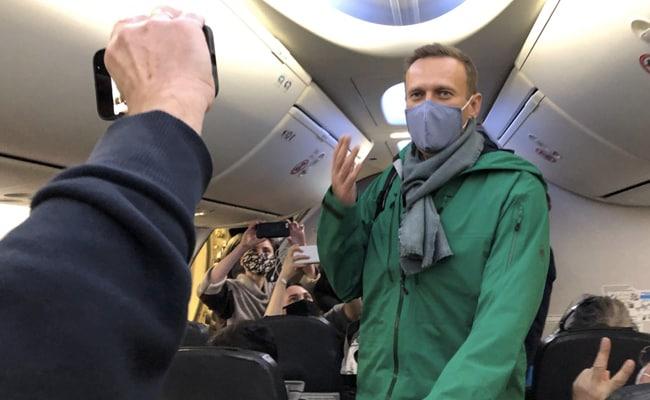 Συνελήφθη ο Αλεξέι Ναβάλνι κατά την άφιξη του στη Ρωσία (vid)