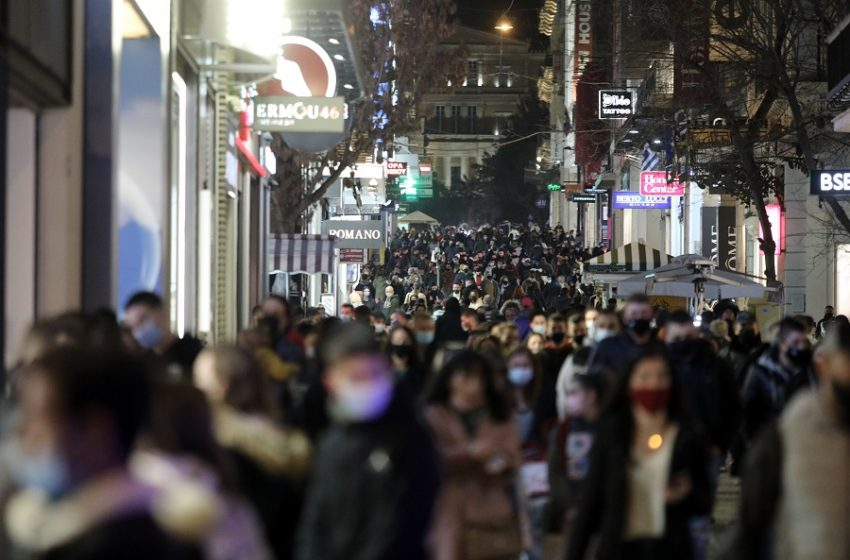 Γεωργιάδης: Δεν φταίει ο συνωστισμός στην Αττική για την αύξηση των κρουσμάτων, σωστή η απόφαση για το κλείσιμο