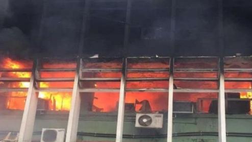 Ασύλληπτη τραγωδία: Δέκα νεογνά νεκρά από πυρκαγιά σε μονάδα φροντίδας
