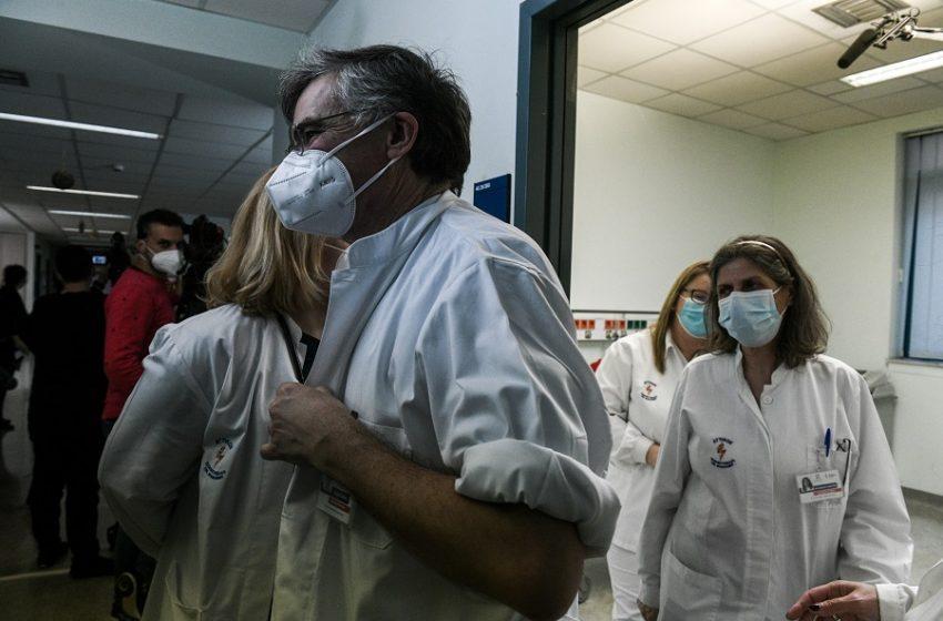 """Η φωτογραφία με τον Σ. Τσιόδρα μετά τις φήμες για τη νέα """"εξαφάνιση"""""""