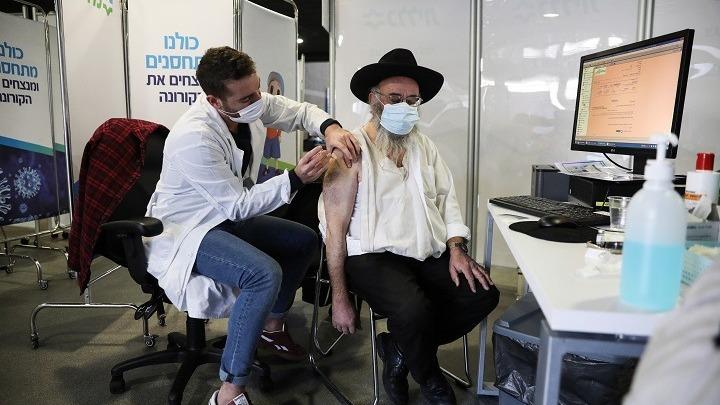 Το Ισραήλ έχει ήδη εμβολιάσει 1 εκατ. πολίτες σε 12 μέρες