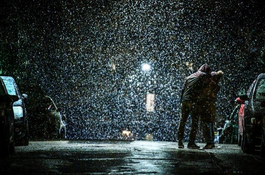 """""""Μήδεια"""" : Χιονίζει στην Αθήνα. Σε ετοιμότητα ο Πειραιάς (εικόνες)"""
