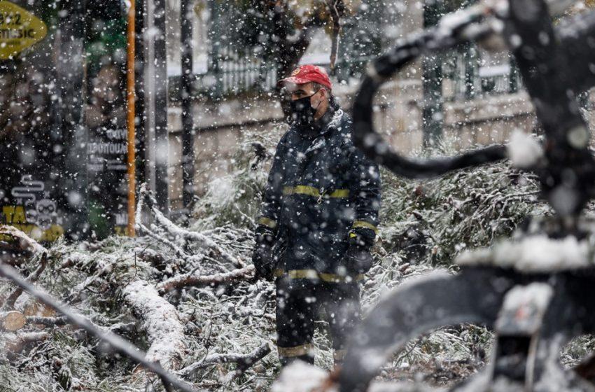 Xωρίς νερό πολλές περιοχές στην Αττική – H Πυροσβεστική δέχτηκε 1.850 κλήσεις- Σε κατάσταση έκτακτης ανάγκης ο Διόνυσος
