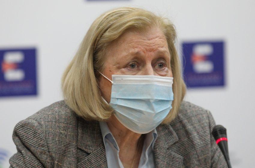 Θεοδωρίδου: Συλλυπήθηκε την οικογένεια της 44χρονης από την Κρήτη – Τι είπε για τον εμβολιασμό των παιδιών