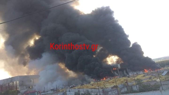 Ζευγολατιό: Φωτιά σε εγκαταλειμμένο εργοστάσιο – Φόβοι για μεγάλη έκρηξη (vids)