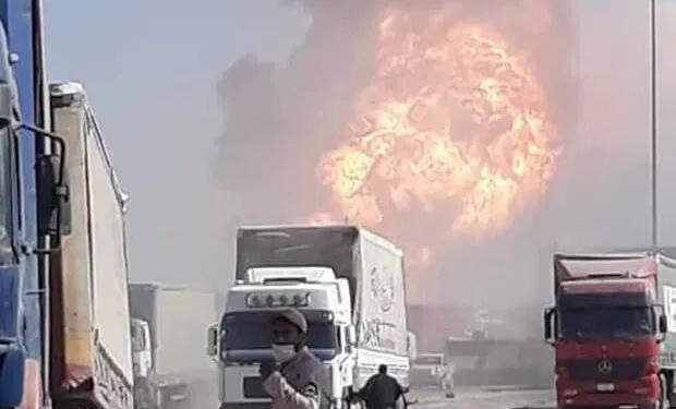 Αφγανιστάν: Βυτιοφόρο ανατινάχθηκε στα σύνορα με το Ιράν (vid)