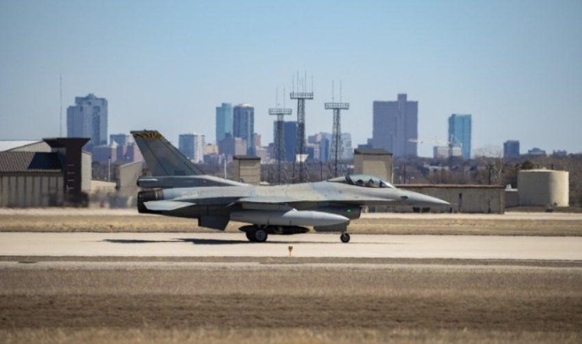 Aναβάθμιση F-16: Στο Τέξας για δοκιμές το πρώτο αναβαθμισμένο σε Viper