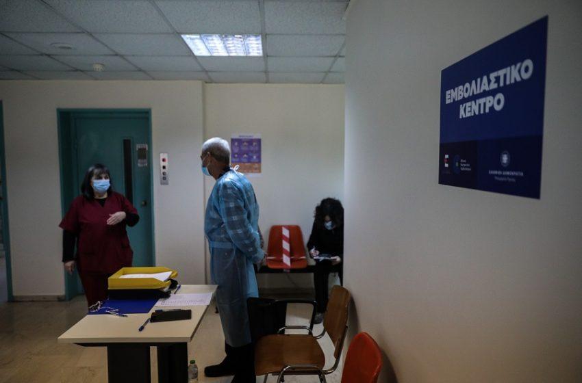 """Θεοδωρίδου: 28 θρομβώσεις σε 17 εκατ. εμβολιασμούς με AstraZeneca – """"Υπερβολικός ο φόβος για τις αλλεργίες"""""""