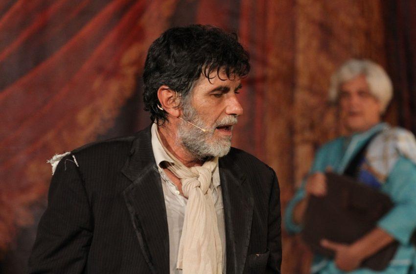 """Ο Γιάννης Μπέζος παίρνει θέση για τα όσα συμβαίνουν στο Θέατρο: """"Ξέραμε και εμείς, ξέρατε και εσείς και δεν μιλούσαμε"""""""