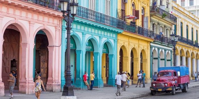Ανοίγει η οικονομία της Κούβα σε ιδιωτικές επιχειρήσεις