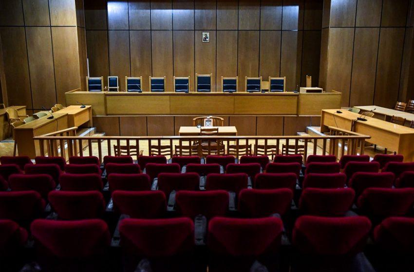 Ραγδαίες εξελίξεις: Πολιτικοί κραδασμοί, εισαγγελικές αποφάσεις για Λιγνάδη – Δύο μηνύσεις εναντίον του- Που βρίσκεται ο σκηνοθέτης