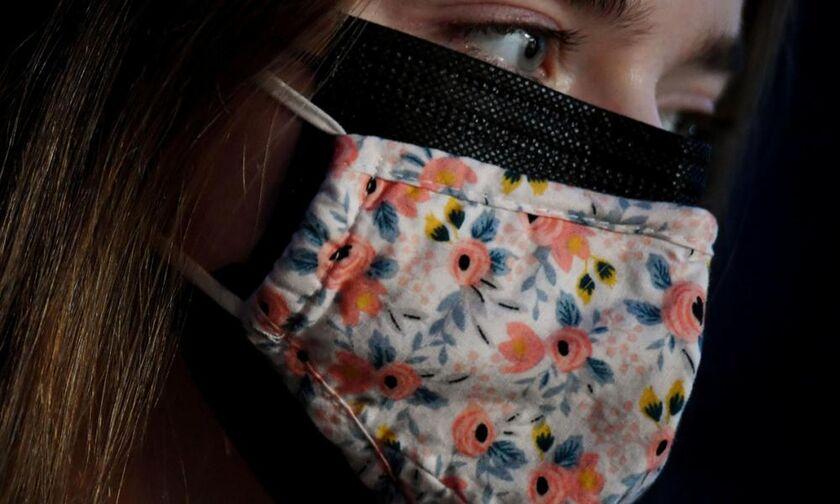 Γώγος: Ανοιχτό το ενδεχόμενο για υποχρεωτική χρήση διπλής μάσκας