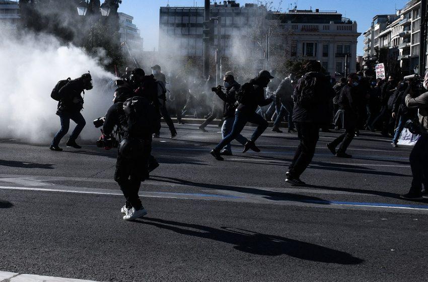 Πανεκπαιδευτικό: Χημικά σε Αθήνα και Θεσσαλονίκη (vids-εικόνες)