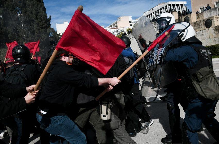 Πανεκπαιδευτικό συλλαλητήριο: 24 συλλήψεις από τις 52 προσαγωγές