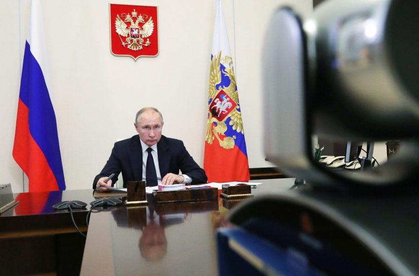 Politico: Η νίκη της Μόσχας με το Sputnik V- Η στροφή της ΕΕ μετά την έρευνα του Lancet- Επικοινωνία Μέρκελ με Πούτιν
