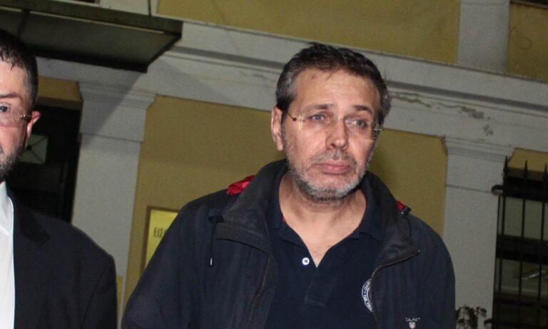 """Σύλληψη Χίου: Στο αυτόφωρο ο εκδότης του """"Μακελειού""""  – Πέρασε τη νύχτα στη ΓΑΔΑ"""