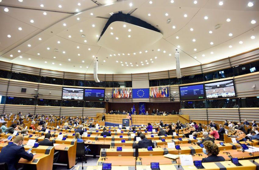 Ευρωπαϊκή Επιτροπή: Με μήνυμα στα ελληνικά ανακοίνωσε την εκταμίευση 728 εκατ. ευρώ στην Ελλάδα από το SURE