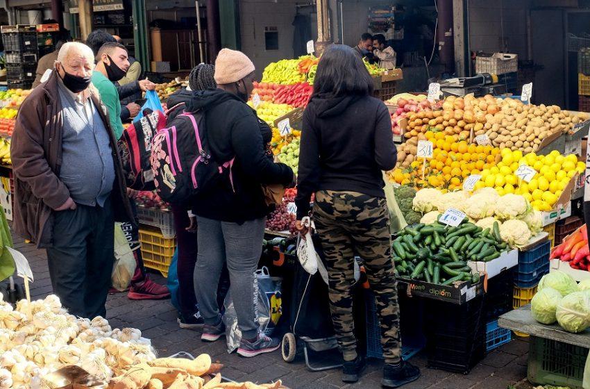 """Πεδίο """"μάχης"""" οι Λαϊκές Αγορές – Δυσαρέσκεια γαλάζιων για το ν/σ Γεωργιάδη"""