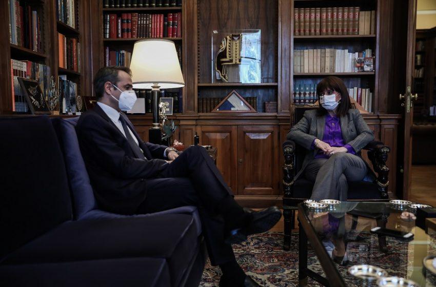 Μητσοτάκης για τις καταγγελίες στο θέατρο: Έσπασε ένα πέπλο σιωπής με τις συγκλονιστικές αποκαλύψεις