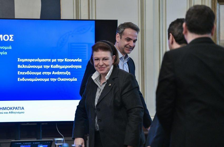 Γιατί ο Μητσοτάκης πάει το θέμα Λιγνάδη στη Βουλή – Φουντώνουν τα σενάρια παραίτησης της Μενδώνη – Έντονο παρασκήνιο