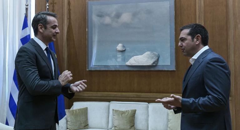 Ανεβαίνει το πολιτικό θερμόμετρο: Απόψε ο Τσίπρας στον Alpha, αύριο ο πρωθυπουργός στον Σκάϊ