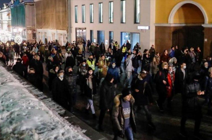 Ρωσία: Απέλασε Ευρωπαίους διπλωμάτες γιατί συμμετείχαν σε διαδηλώσεις συμπαράστασης για τον Ναβάλνι – Απειλεί με κυρώσεις η Μέρκελ