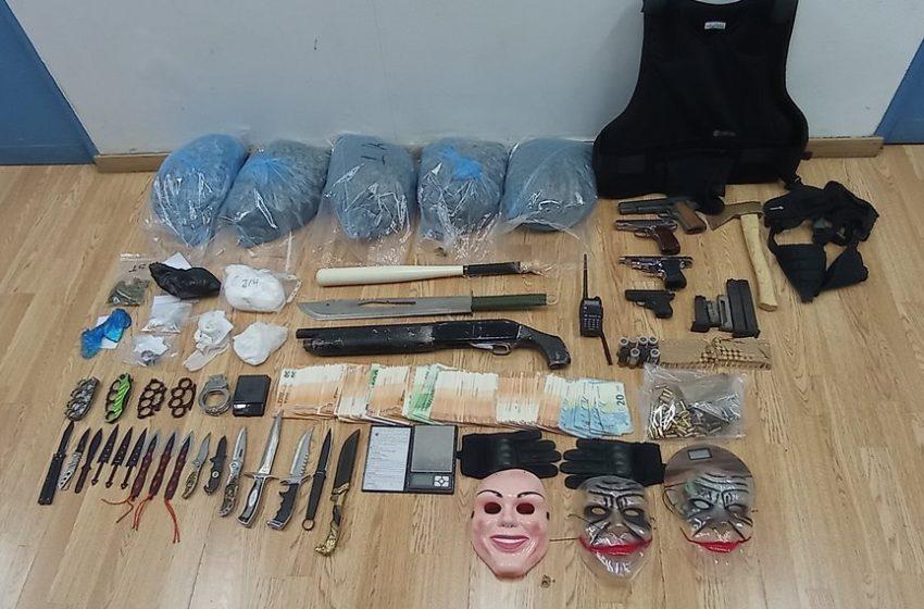 Δραπετσώνα: Σύλληψη τριών ατόμων για ναρκωτικά (pic,vid)